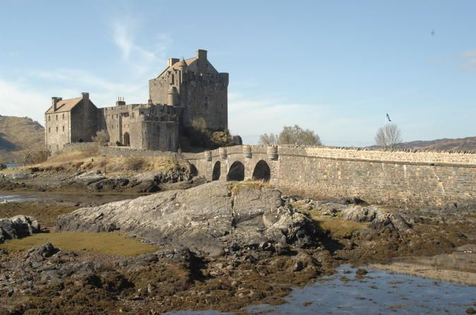 3-Day Isle of Skye and Highlands Tour from Glasgow Discover the best of the Highlands and the Isle of Skye on this 3 day tour from Glasgow. Visit Eilean Donan Castle, explore the Highlands and Culloden Battlefield, take a Loch Ness cruise and visit a whisky distillery.THIS TOUR IS REVERSED ON SATURDAY DEPARTURESYou will get to experience Scotland through its scenery, culture and history in this three day tour brought to you by one of our fantastic driver-guides. Depart from Gl...