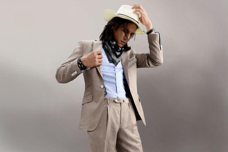 Look du jour ! #chrisvonmartial  #nouvellecollection #tendance  #menssuit  #menswear  #mensfashion  #style #chic  #homme  #look  #men  #mode  #tennue A découvrir sur notre boutique en ligne : http://www.chrisvonmartial.com/