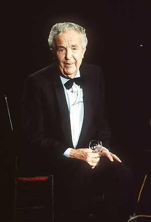 L. - ANP Historisch Archief Community - Wim Kan (Scheveningen, 15 januari 1911 - Nijmegen, 8 september 1983) was een cabaretier