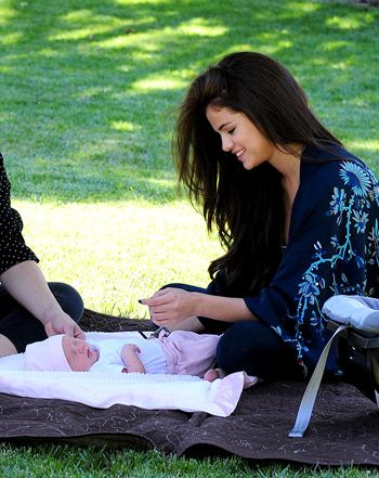 Selena Gomez's Baby Sister Gracie: First Picture of Singer With Newborn