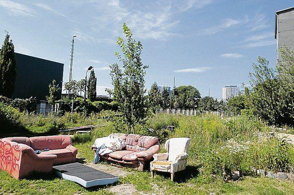 Berghain-Camper in Berlin Friedrichshain: Das Lager am Rande des Party-Palasts