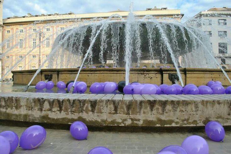Genova 1 maggio 2014, 365 suicidi atto secondo. Installazione artistica dedicata alle vittime della crisi economica