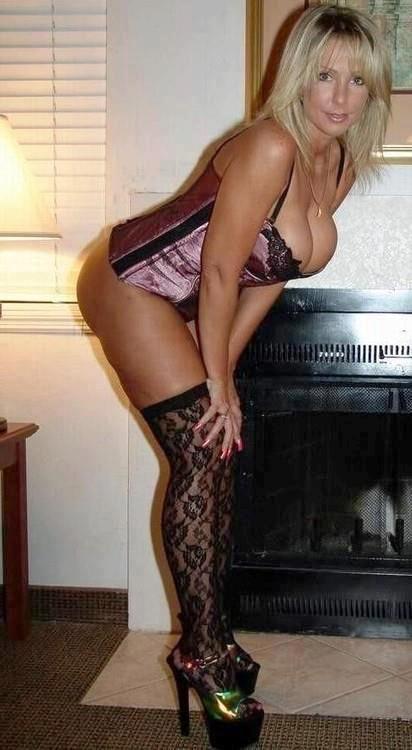 Older Sexy Woman Bending In Panties 11