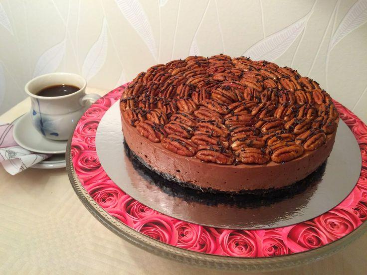 Liian hyvää: Pekaani-suklaajuustokakku (gluteeniton)