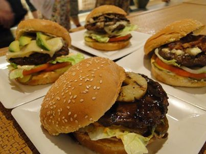 Mahaloha Burgers from Mahaloha! So ONO! #Waikiki #burgers hawaiianforyou.com