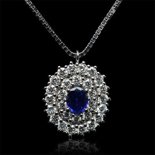 #18k #ororosa #orogiallo #orobianco #carinigioielli #gioielleria #gioielli #diamanti #brillanti #handmade #zaffiro #ciondolo