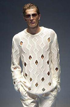 Мужской свитер_спицами (интересный летний вариант) модель с подиума