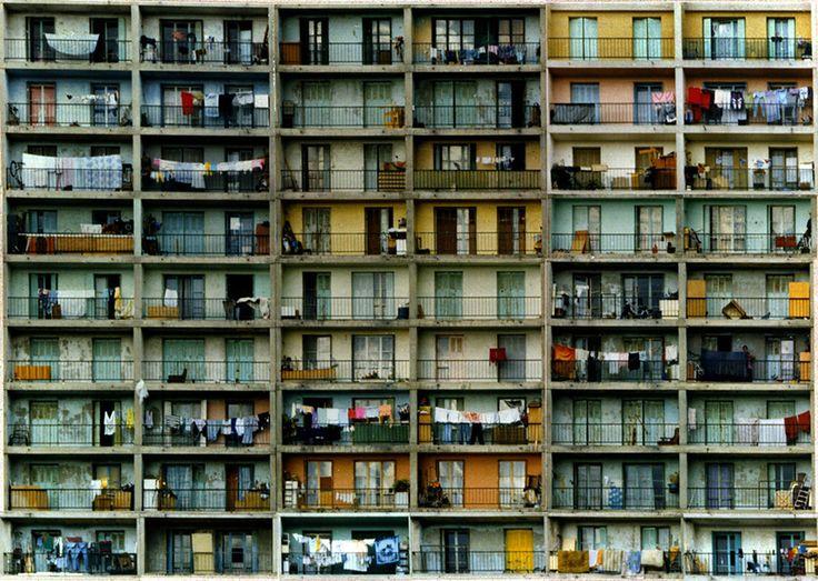 © Sans titre, les façades, Valérie Jouve, 1994