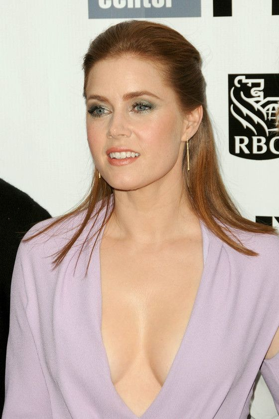 Amy Adams Shows Some Tasty Cleavage