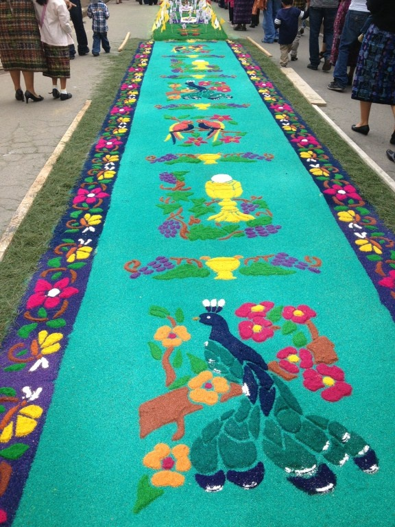 17 best images about alfombras de flores naturales on pinterest antigua guatemala carpets and - Alfombras portugal ...
