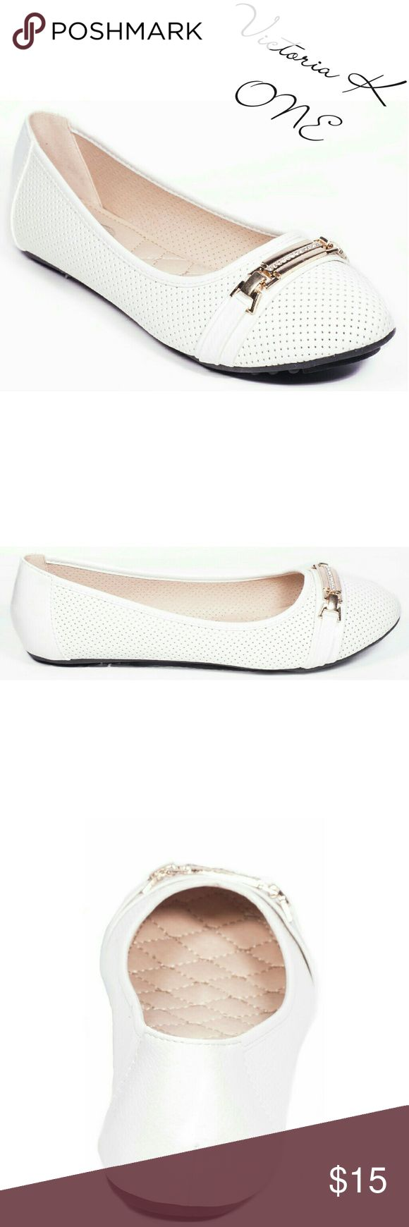 """Women Bracelet Buckle Flats, b-2065, White Brand new Victoria K perforated ballerina flats in PU leather with a stylish stone-studded buckle in the front. From the ONE collection. Soft cushioned sole, very comfortable. Bubbled bottom sole for extra traction. A true statement in ladies shoes fashion! Measurements: larger sizes run small. Size 8 measures 9.5 inches, sz 8.5 - 9 3/4"""", sz 9 - 10"""", sz 9.5 - 10 1/4"""", sz 10 - 10.5"""", all half sizes are in 1/4 inch increments of each other. Tory K…"""