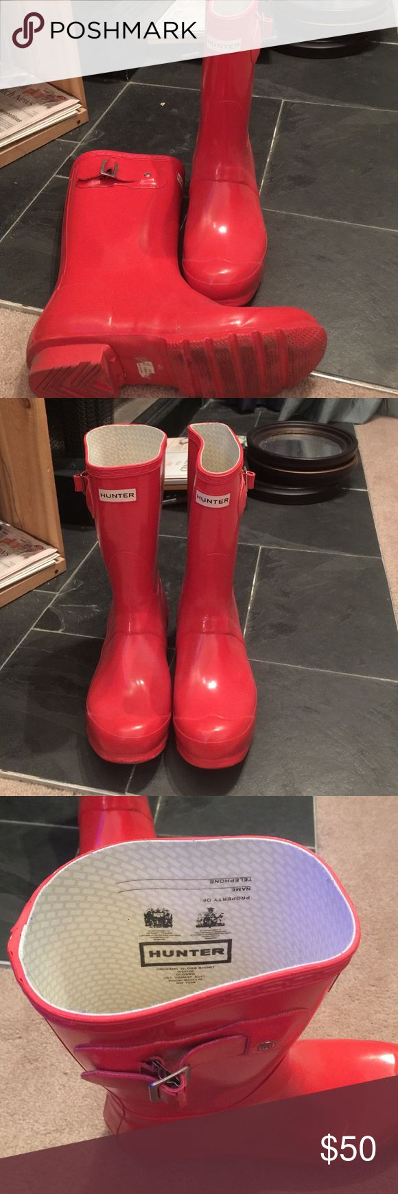 Hunter wellies short. Gloss red. Size 9 women's Had a couple years. Not worn frequently. No damages markings. Rubber on clip cracking. (See photo) priced to sell. Thank you! Hunter Boots Shoes Winter & Rain Boots