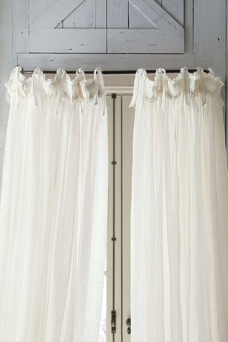 Create a unique look with our Curved Curtain Rod - it's a small touch that has a big impact on the look of your room!