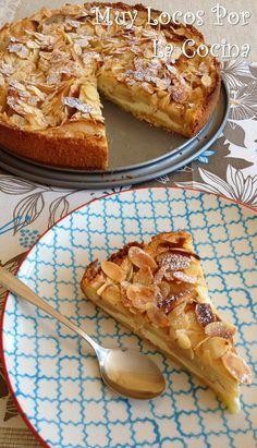 Muy Locos Por La Cocina: Tarta de Manzanas y Almendras Laminadas con relleno de Queso