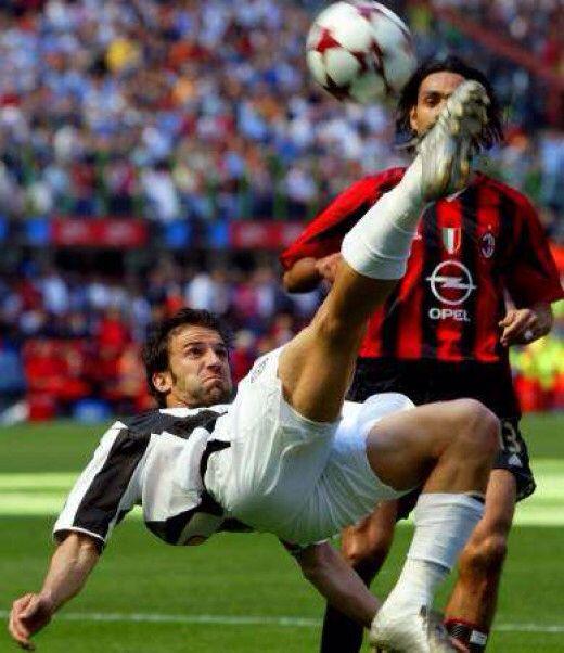 Alex Del Piero impressive bicycle kick