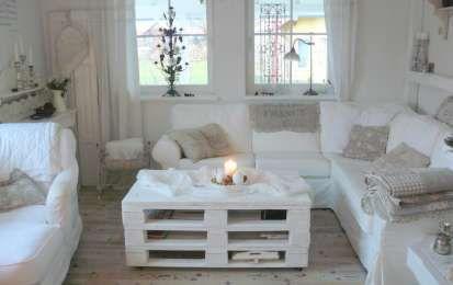 Tavoli fai da te con il riciclo creativo - Tavolino con bancali dipinti