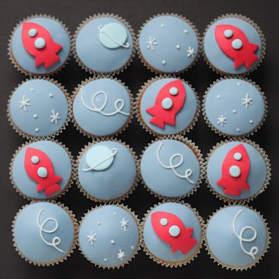 Rocket ship cupcakes by cake artist Hello Naomi.