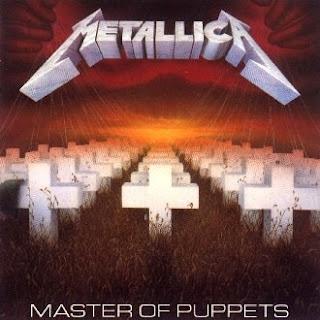 Post especial sobre o disco Master of Puppets em homenagem a Cliff Burton, morto há 26 anos em acidente com o ônibus da banda.