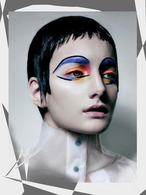 Graphic Lines Makeup: Dorita Nissen Website: www.doritanissen.net Twitter…