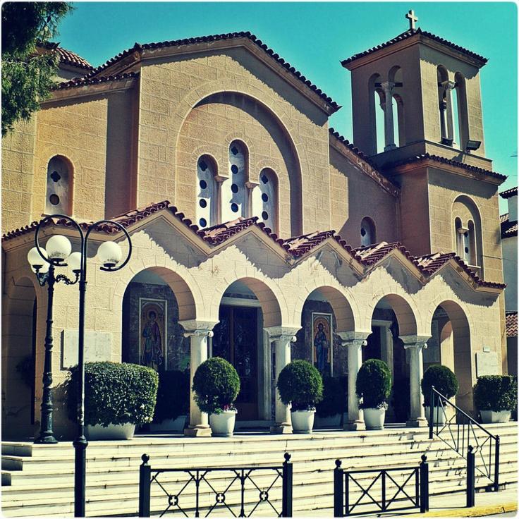 Agios Georgios on Tatoiou Avenue. (Walking Athens, Route 19 - Kifissia)