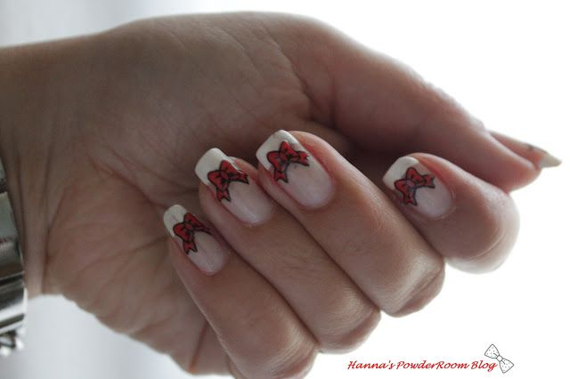Bow nails  Hanna's PowderRoom Blog
