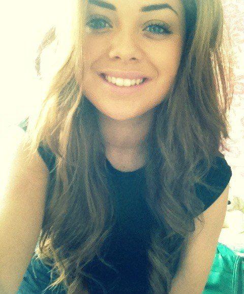 light brown hair, pretty smile, girl | Girls | Pinterest ... Pretty Girl With Brown Hair And Brown Eyes With Swag