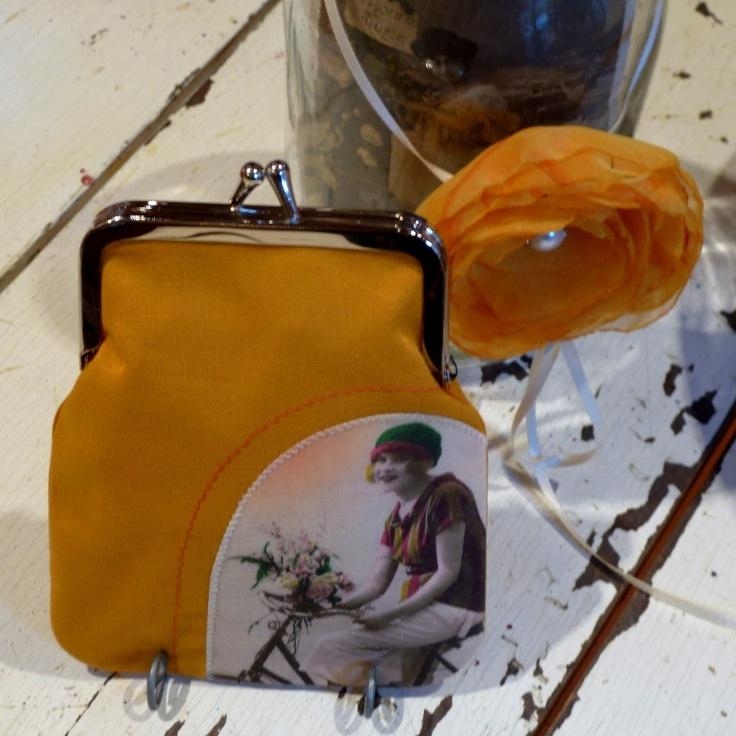 Vintage PostCard kukkaro / purse Keltainen - Pyöräilyä kukkien kera / Yellow - Bicycling with flowers  moumoudesign.blogspot.com moumou DESIGN
