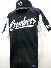 ブラック・ボンバーズ 様:野球ユニフォーム オーダー お客様の写真と声