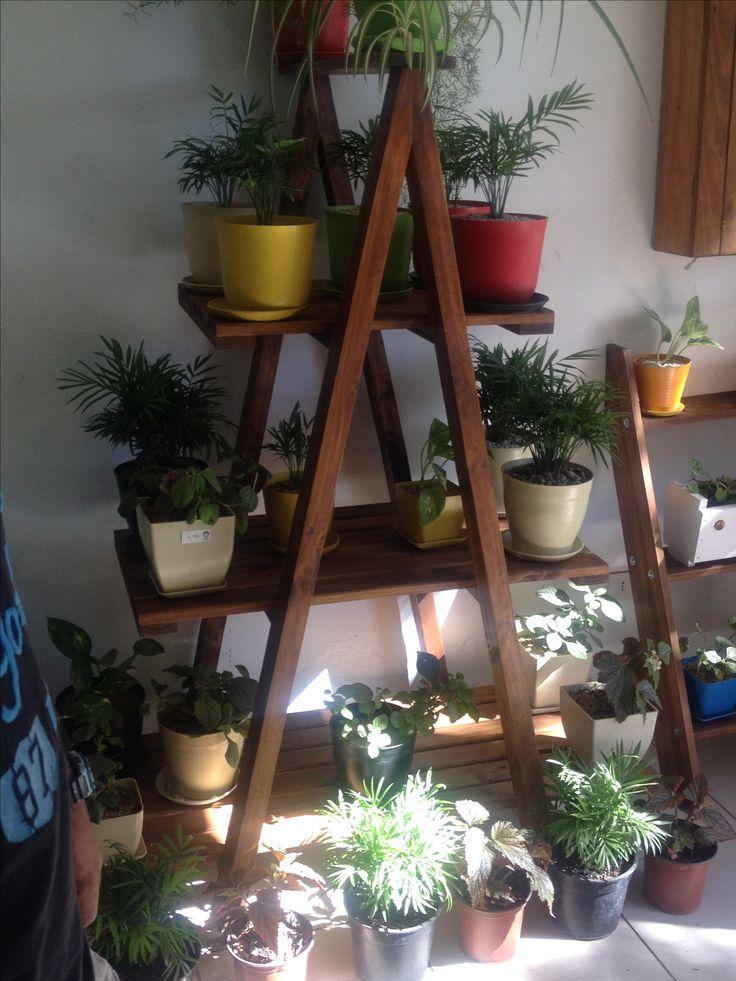 Repisa para plantas en A, 4 pisos