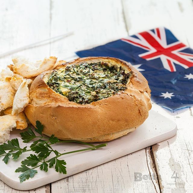 Wondering what you can make to bring to your Australia Day BBQ?? Try our easy, delicious Cob Loaf recipe with only 4 Ingredients! 🇦🇺It is sure to impress! Recipe via the link in our bio👆🏻👆🏻 #thatsbetta #beabettacook #4ingredients #cobloaf #easymeals #australiaday #foodie #yum #snacks #aussieday