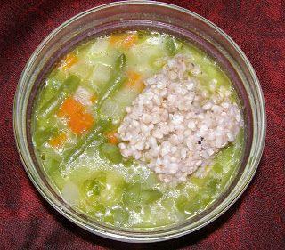 W Mojej Kuchni Lubię.. : na maśle fasolkowa zupa z kaszą gryczaną jasną...