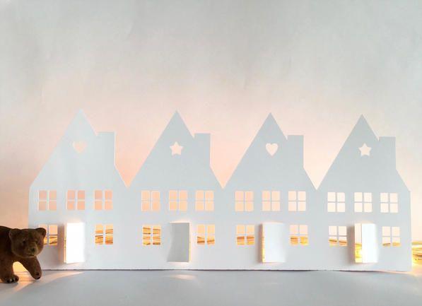 Haz estas casitas de papel calado en pocos pasos y decora para navidad!