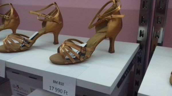 e07e0a9458 Latin tánccipő - Latin tánccipő, társastánc cipő, spicc cipő, balettcipő,  salsa cipő: Belmove Tánccipő bolt Budapest