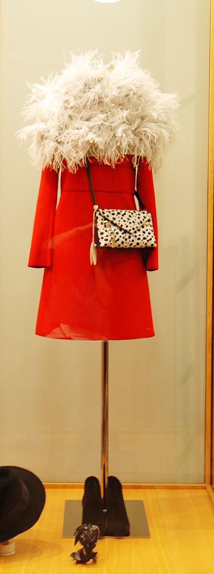 Dress + Pochette Chloé Shoes Golden Goose
