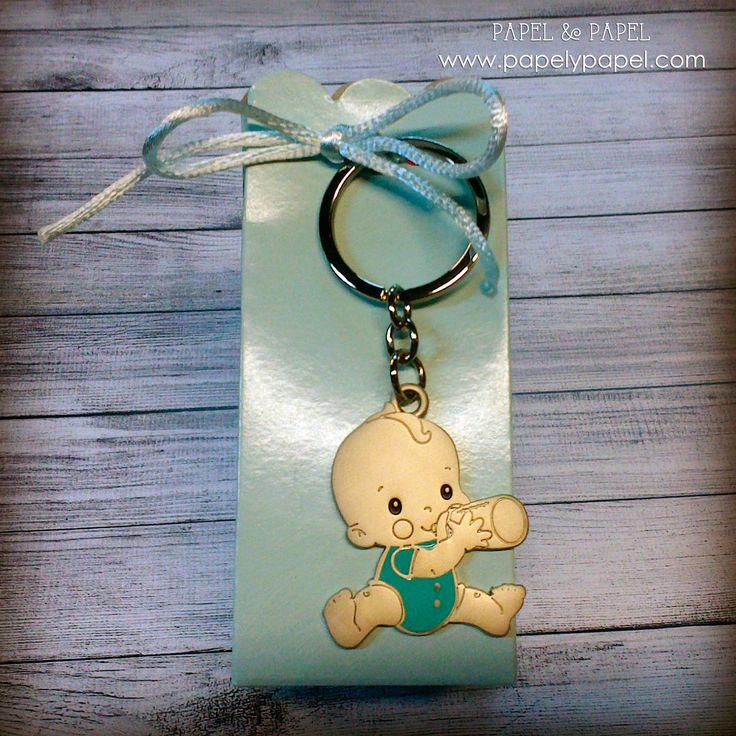 llavero bebe con cajita azul, detalles de bautizo, nacimientos, baby shower