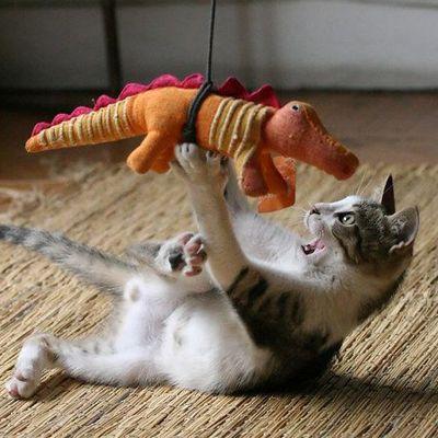 aaaagh! It's got me! It's got me!