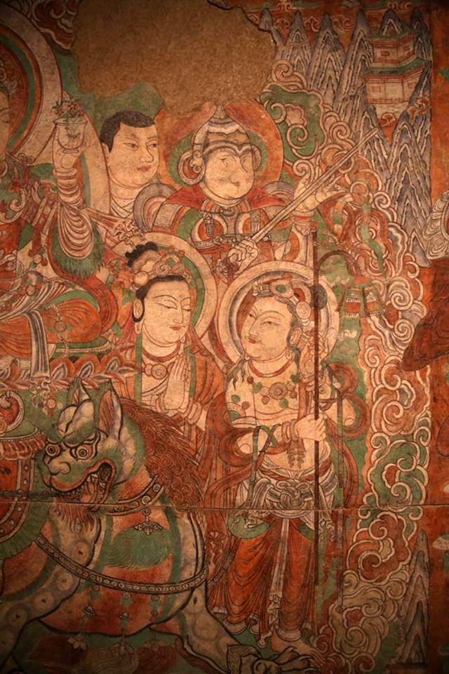 Uygur Türklerine ait Nefis bir Budist Fresk-Duvar Resmi. Bezeklik Mağarası Doğu Türkistan 9.yy. Buddha Aslan üzerinde tasvir edilmiş ve elinde bir kase içinde Hayat Çiçeği Tutar. Türk İkonografisidir. Etrafındaki Alp'ların miğferleri Uygurlara özgü Topuzlu Miğferlerdir. Bezekhlik Manjusri on a lion In the Hermitage museum in St Petersburg C9th Silk Road image from Xinjiang..