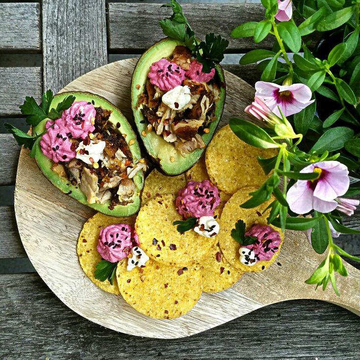 avocado, nachos, ovengebakken kip, biethummus, sour cream | made by Barbje