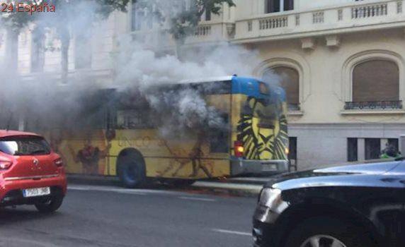 La EMT contratará a 220 operarios para prevenir los incendios en los autobuses