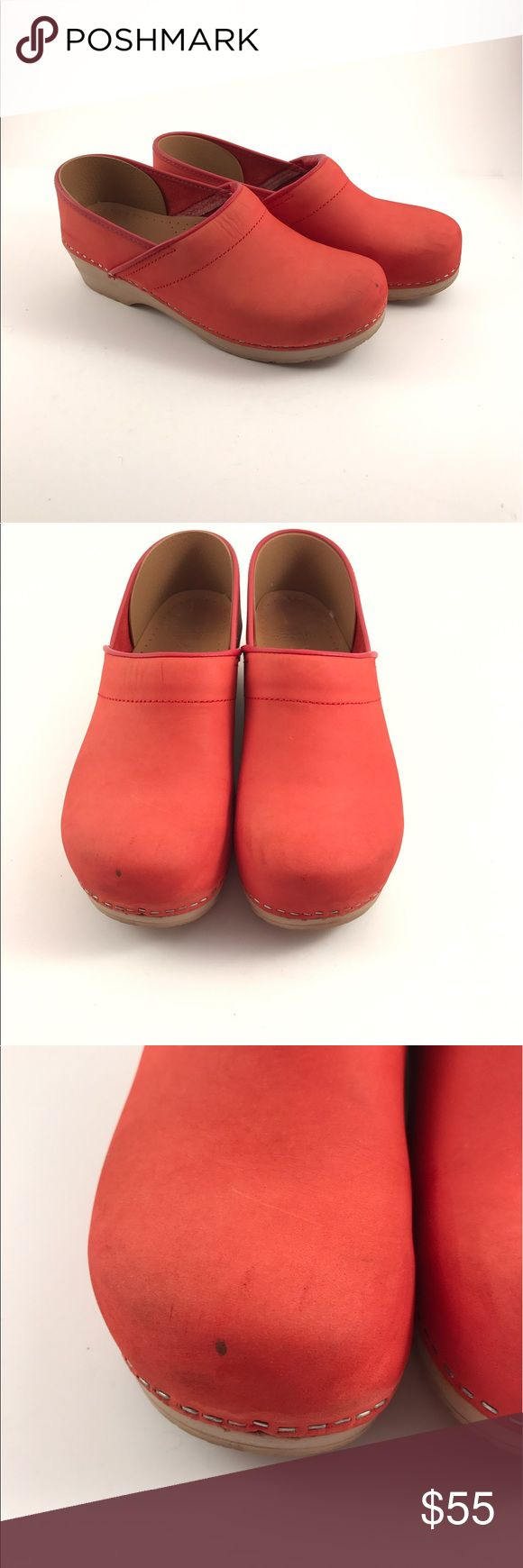 💰 SALE 🤗 Dansko red clogs Amazing Dansko red clogs. Pre-owned see pictures for condition. Super comfortable and unique color. Dansko Shoes Mules & Clogs