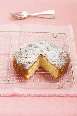 La torta di riso è un dolce preparato un po' in tutta Italia con diverse varianti a seconda delle regioni