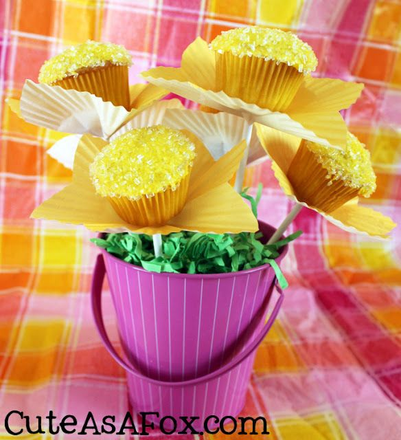 Cute As a Fox: Mini Cupcake Flowers