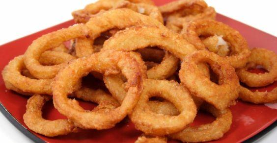 http://www.kitchentoolitalia.com/Ricette/View/Article/223/Anelli-di-cipolle-fritti.aspx