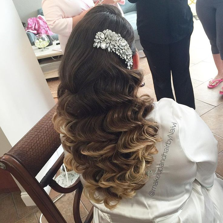 "Glamorous vintage waves by Make Up and Hair by Naivi featuring our dramatic rhinestone bridal hair comb 'Samara""!"