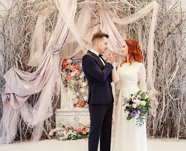 Весенние цветы и оттенки букета идеально подошли нашей изысканной невесте Spring flowers and bouquet's color shades look awesome in our bride's story.