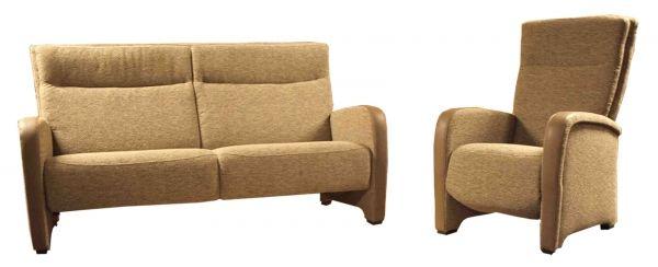 Bankstel Tomo 3 Mecam: Direct leverbaar. Kleur stof: beige - lever. Kleur leder armleuning: lever. Afmeting: Breed x Diep x Hoog: 2,5 zits: 180 cm x 80 cm x 100 cm. Fauteuil: 80 cm x 80 cm x 100 cm, Relax: 80 cm x 80 cm x 110 cm. Combinatie: 2,5 zits, fauteuil en relaxfauteuil elektrisch. Normaal:€4.570,00. Aanbiedingsprijs: €3.195,00.