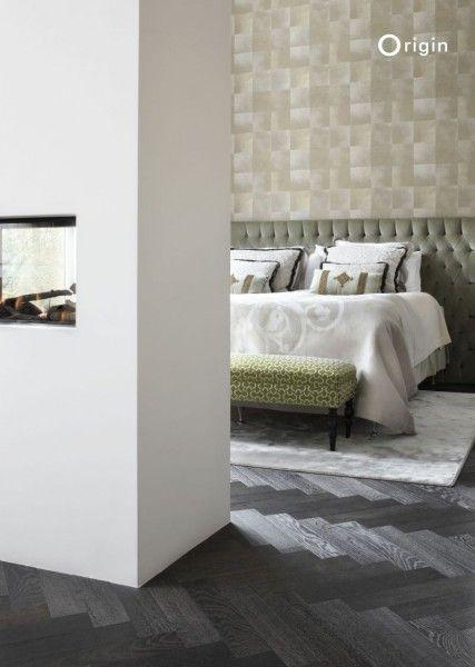 Non-woven wallpaper brown animal skin - collection Raw Elegance, Origin - luxury wallcoverings   Bruin vliesbehang met natuurlijke dierenhuid structuur, behang collectie Raw Elegance