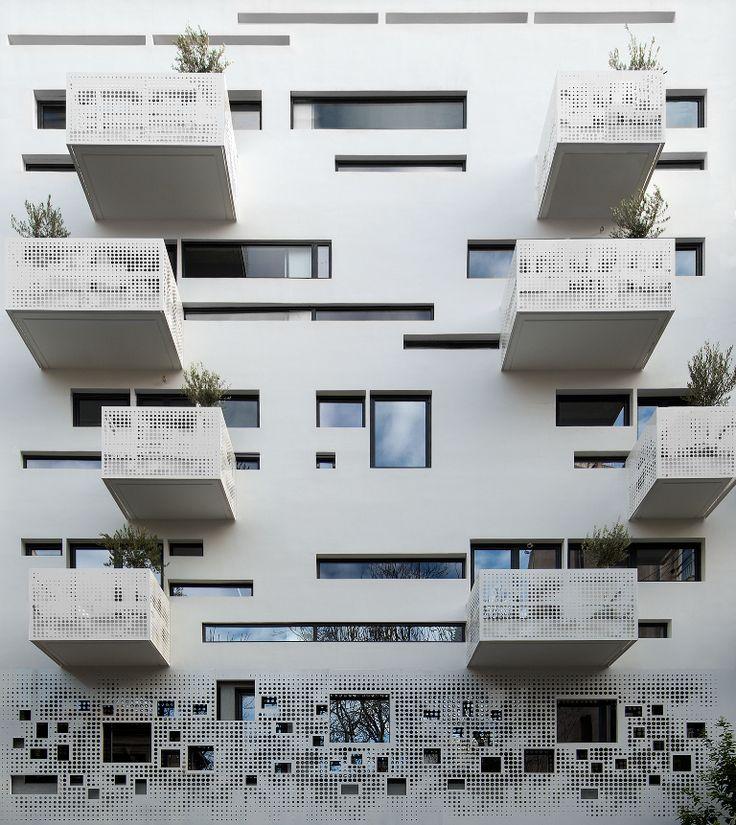 Urban stripes by KLab Architecture