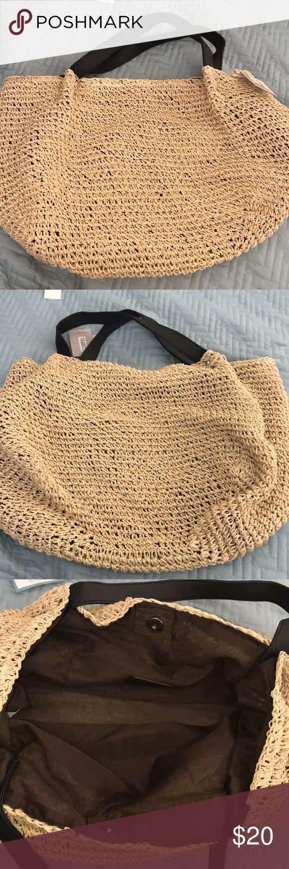 Brown and Black Crochet Shoulder Bag •Lavand. •Brown and Black Crochet Shoulder Bag •100% Paper Straw  •New •Never been used •Great for the beach Lavand Bags Shoulder Bags