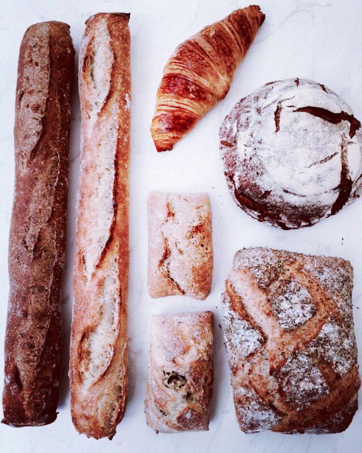 Baguette, pain, croissant